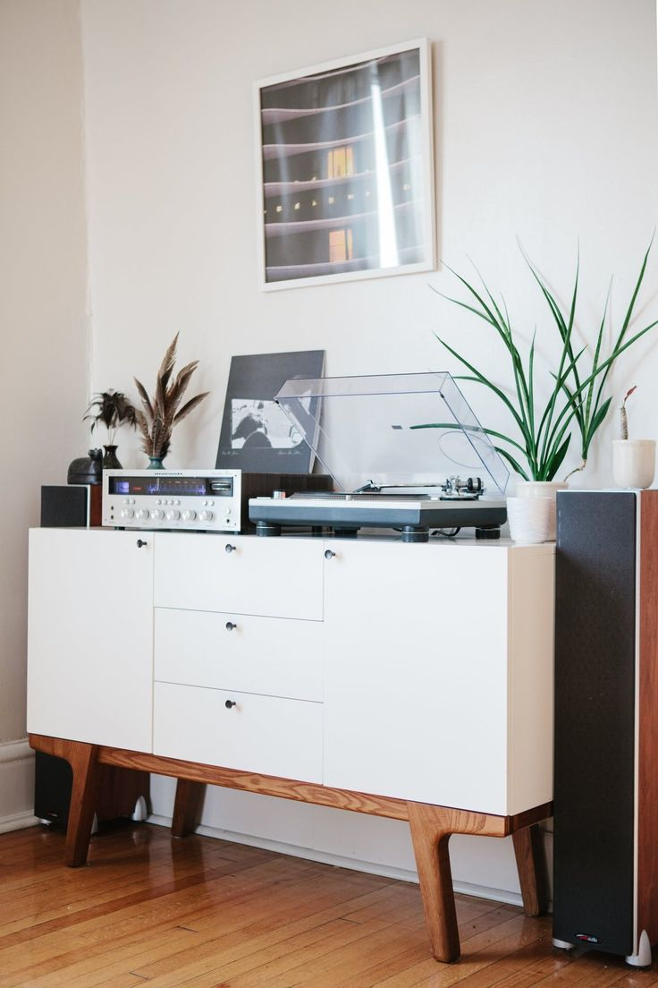 Ryan & Stephanie's Light-Filled Wicker Park Apartment awesome apt with space for work/music