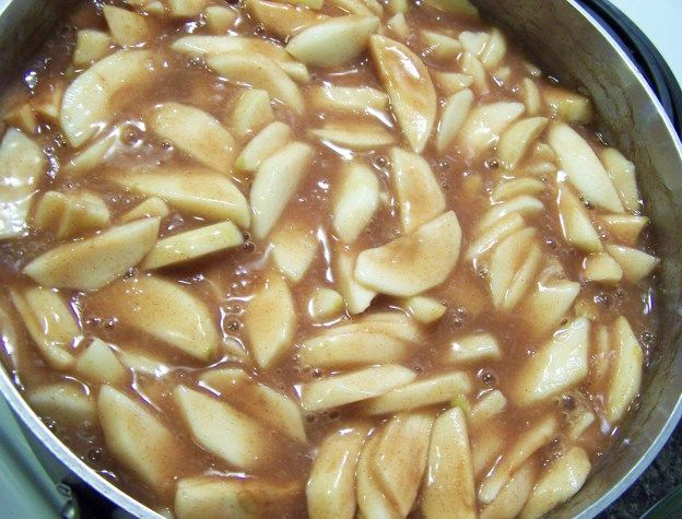 Apple pie filling for the freezer