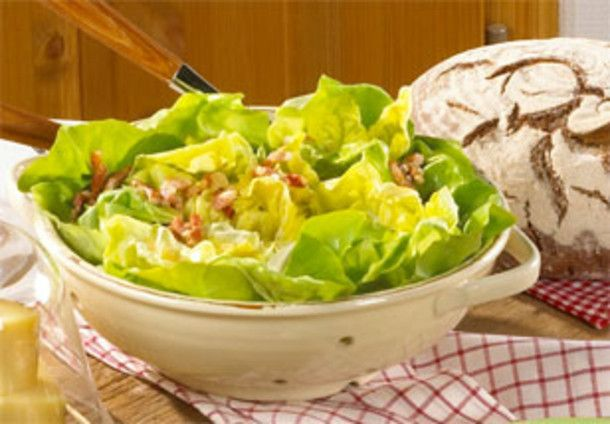 Unser beliebtes Rezept für Kopfsalat mit warmer Speckmarinade und mehr als 55.000 weitere kostenlose Rezepte auf LECKER.de.