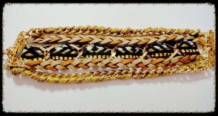 Pulsera beige con cadenas trenzadas