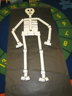 Crayons & Curls: Our Classroom Skeleton! Paper Towel Rolls and TP cores -- just how clever is this life size creation?