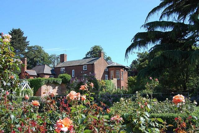 Bantock House gardens