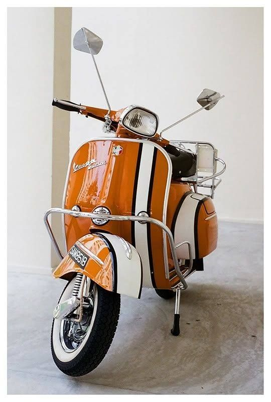 thevintagologist:  modrules:  Source Ma panoplie 60's  Follow http://thevintagologist.tumblr.com/ : more than 10.000 posts of vintage lifestyle, design, fashion, art, cars, architecture, music and stuffs.