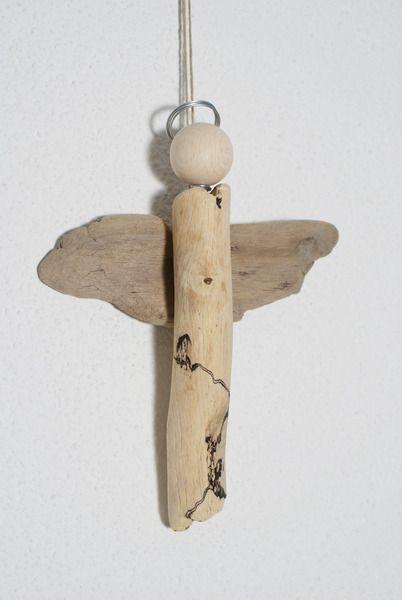 Schutzengel aus Treibholz von nordic Art auf DaWanda.com