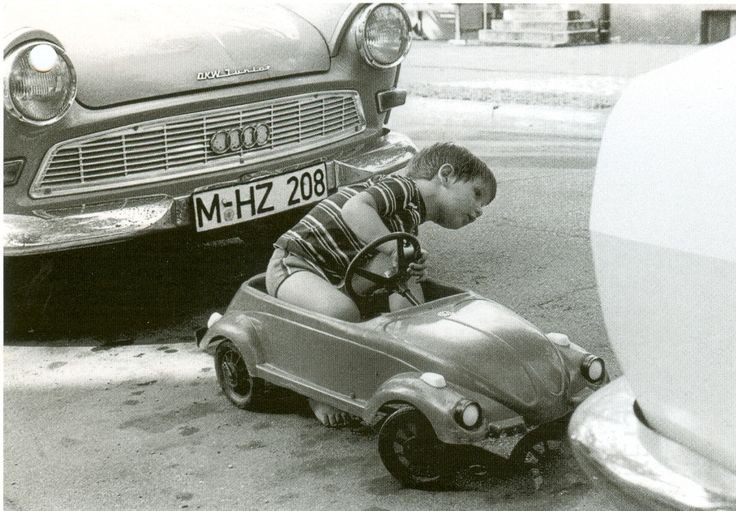 My Fotolog: Small Cars, Tights Spots, Funny, Children, Bookmarks Pictures, Kids, Parallel Parks, Little Boys, Vintage Photos Black And White