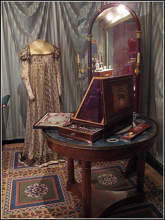 les 418 meilleures images du tableau ch teau de malmaison sur pinterest josephine de. Black Bedroom Furniture Sets. Home Design Ideas