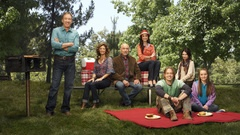 Kinda digging the new LAST MAN STANDING show on ABC. Tim Allen proving he can do Home Improvement but with Daughters this time...