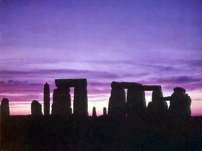 Visit Stonehenge, - The Stonehenge Tours Guide, Stonehenge Tours, day trips and Visitor information