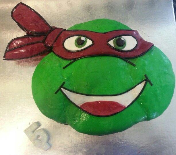 Jack's 5th Teenage Mutant Ninja Turtle cake. I used plastic icing and liquorice braid