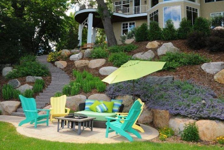 am nager son jardin en pente conseils pratiques et photos d co fils et design. Black Bedroom Furniture Sets. Home Design Ideas