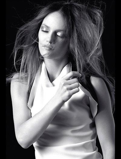 A atriz e cantora francesa Vanessa Paradis: Hairstyles, Simon Hawks, Paradis Coiffures, Paradis Photo, Vanessa Paradis, Coiffures John, Femme Fatale, Chantal Paradis, Calendri Coiffures