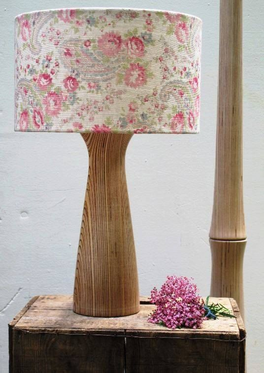 Lámpara de mesa de madera contrachapada por NATAJAQ