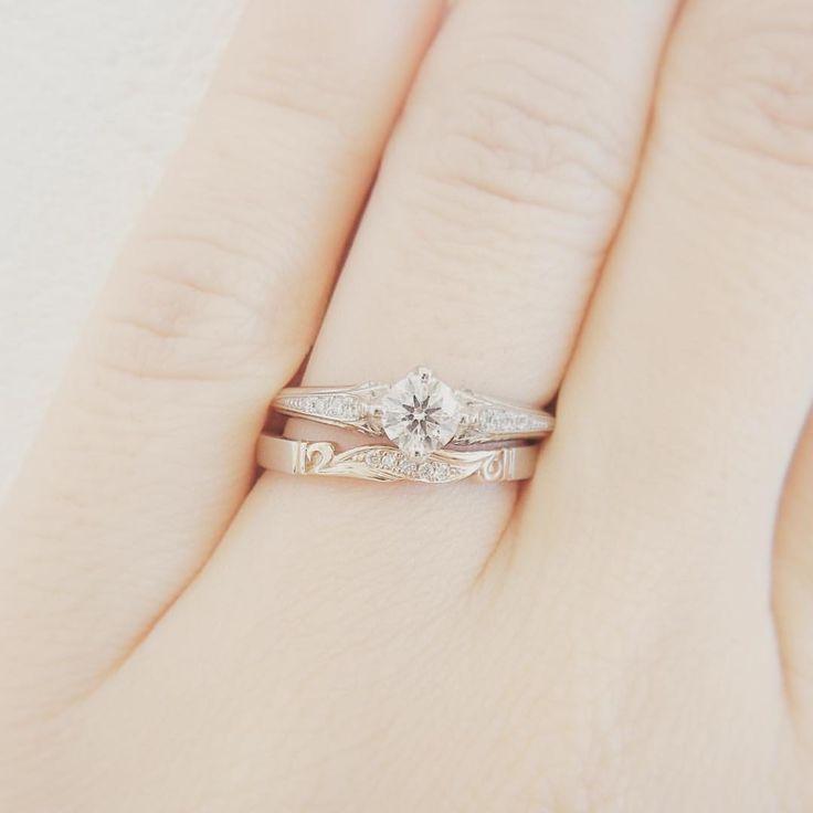 エンゲージリング:ポン・ヌフ マリッジリング:リュー・ラ・フォンテーヌ . #ポンヌフ花嫁 #lapageポンヌフ 、 、、 、、、 #マリッジリング#結婚指輪 #エンゲージリング#婚約指輪 #結婚準備#リングピロー#ジャイアントフラワー#ウエディングドレス#カラードレス#婚約#結納#顔合わせ#婚姻届#結婚#プレ花嫁#招待状#ウェルカムボード #結婚式準備#リゾート婚 #プロポーズ#サプライズ #wedding#ウエディング #LAPAGE#ラパージュ #日本中のプレ花嫁さんと繋がりたい#クリスマス婚#ゼクシィ