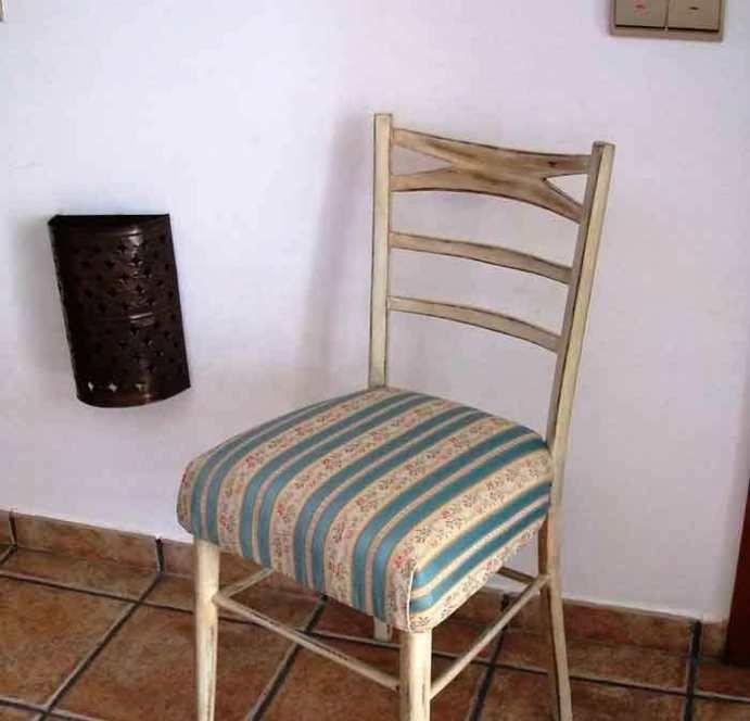 Restaurar Una Silla Vieja A Estilo Vintage El Taller De Lo Antiguo Sillas Restauradas Silla Vieja Sillas Viejas