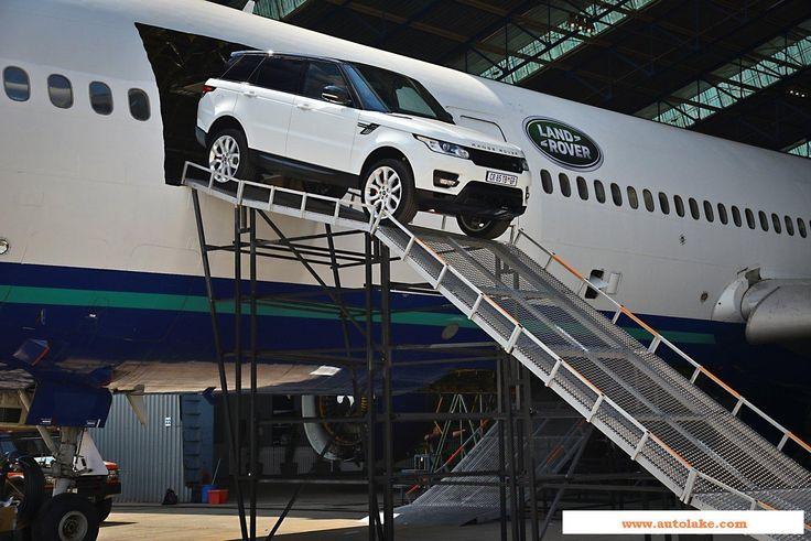 Range Rover Sport Driving through a plane (3)