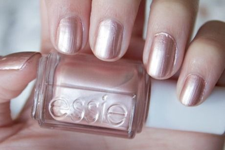 Essie Buy Me A Cameo aka ROSE GOLD POLISH!!!! happy nails :)