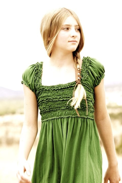 willow shields as primrose everdeen district 12 in the hunger games - Primrose Everdeen Halloween Costume
