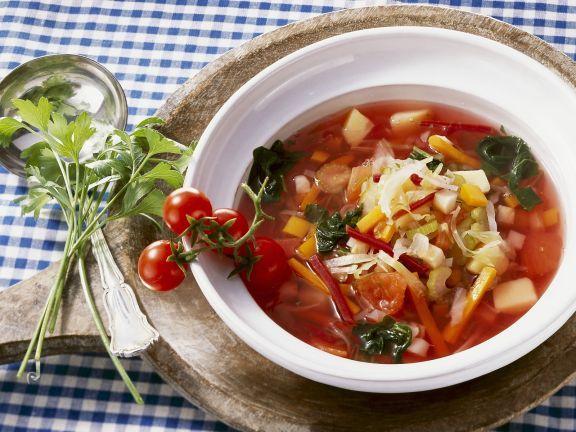 Mönchsuppe auf rumänische Art ist ein Rezept mit frischen Zutaten aus der Kategorie Gemüsesuppe. Probieren Sie dieses und weitere Rezepte von EAT SMARTER!