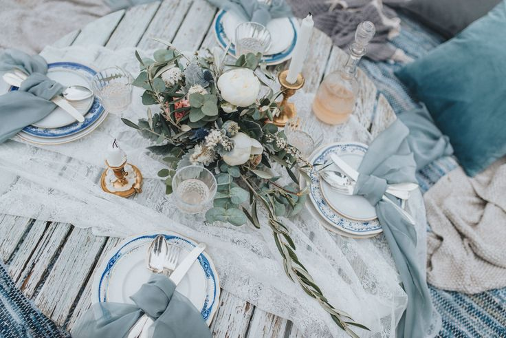 Stormy Blue Scandinavian Wedding Inspiration