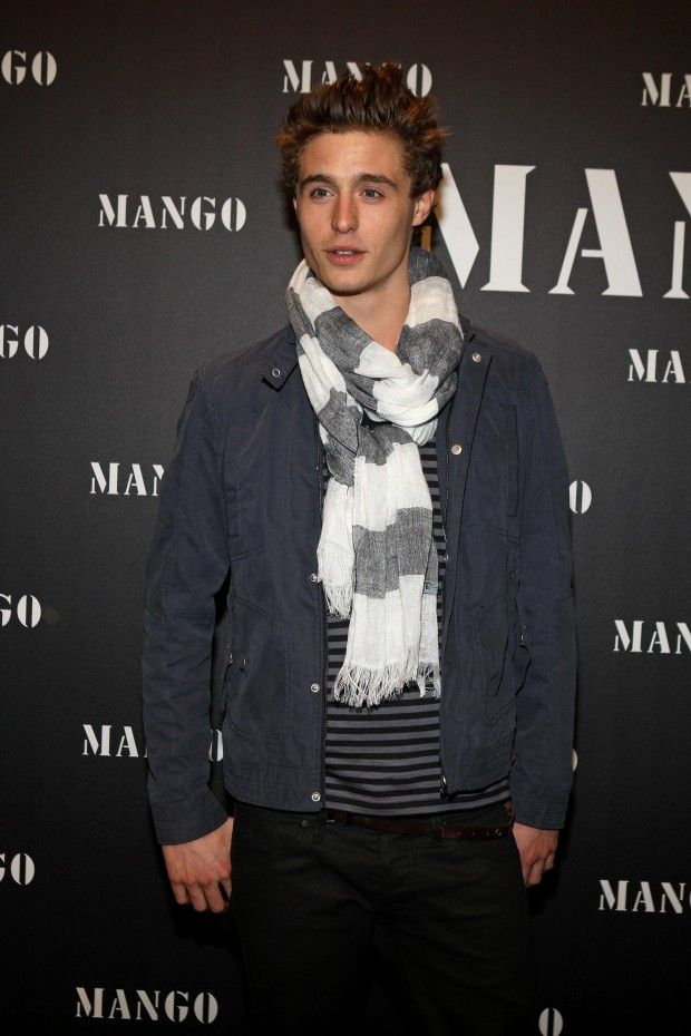 Max Irons Height and Weight, Biceps Size, Body Measurements