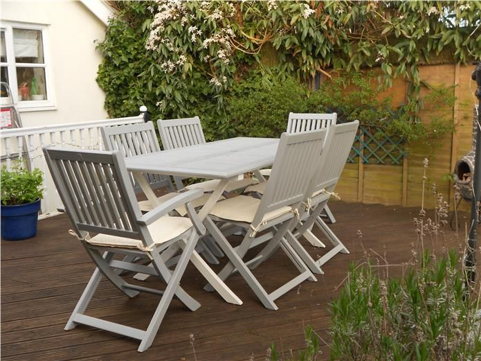 Tired outdoor garden furniture given a new lease of life using F Manor House Gray and Wimbourne White on the table legs. This project took a long time as everything needed to be undercoated and then given two coats of grey, worth it in the end though!