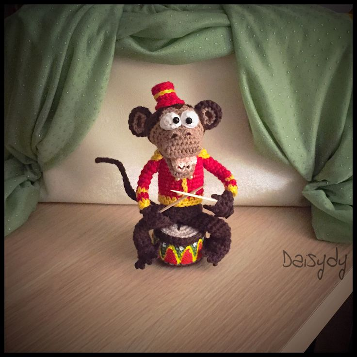 Ciro, the monkey who plays the drum