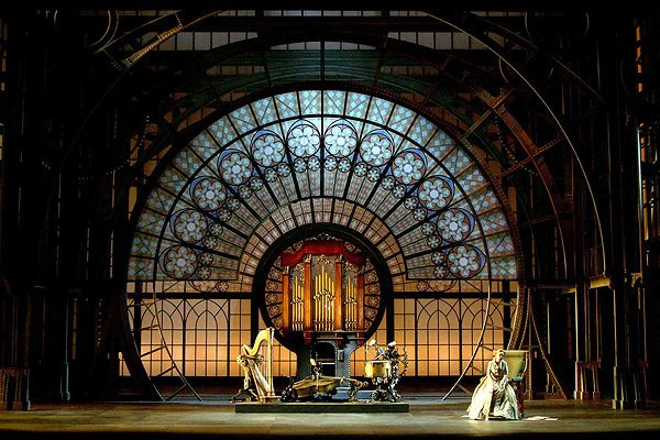 The Tales of Hoffmann .Opéra .Madrid . Ezo Frigerio.