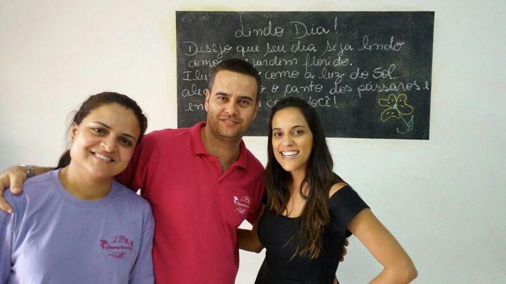 Obaaaaa.   Hoje recebemos a visita da noiva e assessora Larissa Garcia da Assessoria Pra Sonhar e a família dela.  Lari...muito obrigado pela confiança.   Foi um imenso prazer conhecê - la pessoalmente