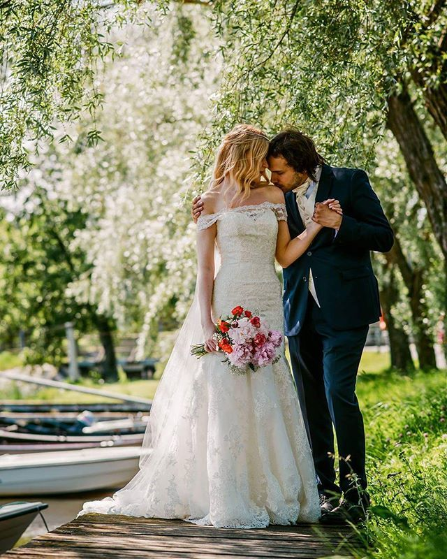 You make my heart smile  #ido #husbandandwife #weddingphotography #summerwedding #weddingideas #wedding #finland #togetherforever #nowandforever #iloveyou #lovetobeyours #bestdayever #ourfairytale #gentleandstrong #youaremyhome  (photo: jussijeremiaphotography)