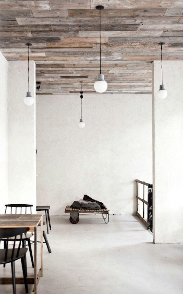 17 beste idee n over houten balken plafond op pinterest balkenplafond houten balken en houten - Verf een houten plafond ...