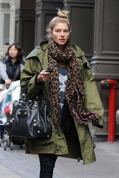 I like this look. I need a good parka in green. I don't want a fur or fake fur trimmed hood.