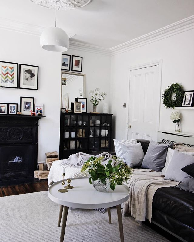 Living Room With Black Details | By SHnordic