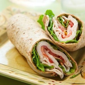 Wrap met tonijn-komkommersalade – recept voor één persoon