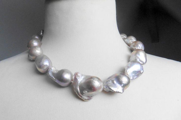 Perlenkette,+riesige+Kasumi+Perlen,+silbrig+purpur+von+Perlenfischzüge+auf+DaWanda.com