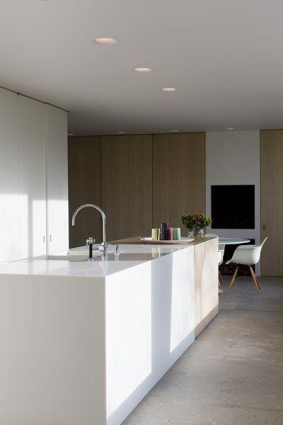 Declerck - Daels, architecten - interieur - keuken Wit en hout voeren de…