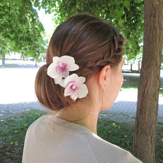 Pin On Hairstyles With Flowers Pricheski S Cvetami