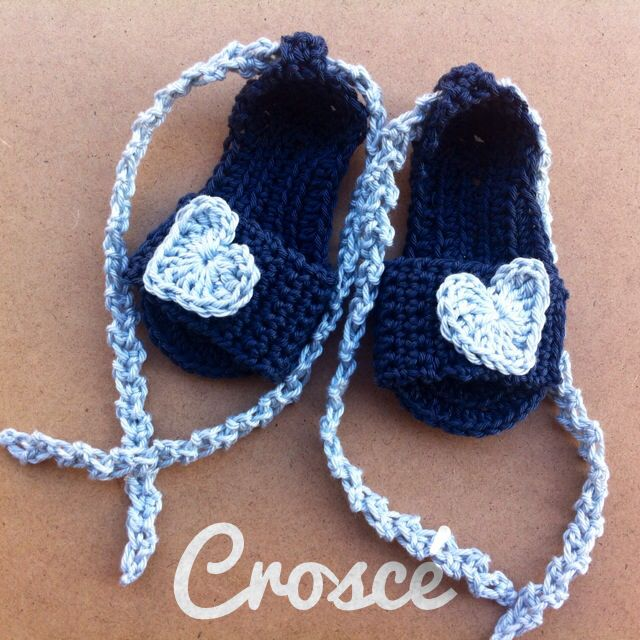 Crochet baby sandals by Croscé Creative crochet and sewing www.facebook.com/crosce