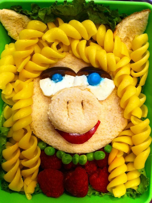 Muppets fans, check this out! Miss Piggy Dinner  - A Little Craft in Your Day
