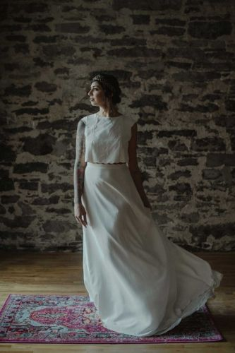 Fuid silky skirt with the crop top for a contemporary wedding at Dream it Yourself Montreal