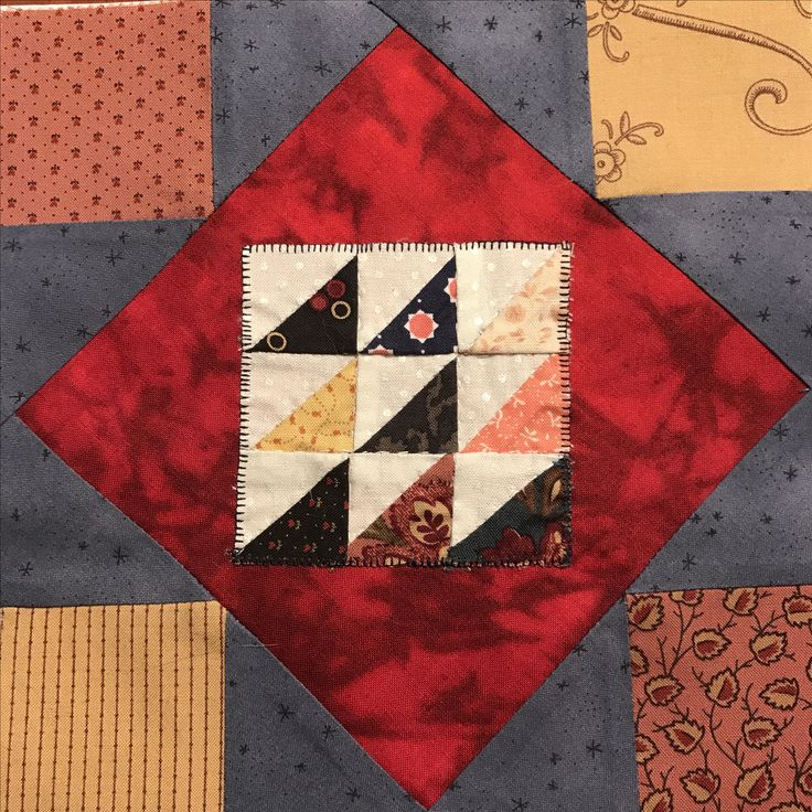 Mini triangles for my Bobbin quilt Personal design by Astrid Briedé
