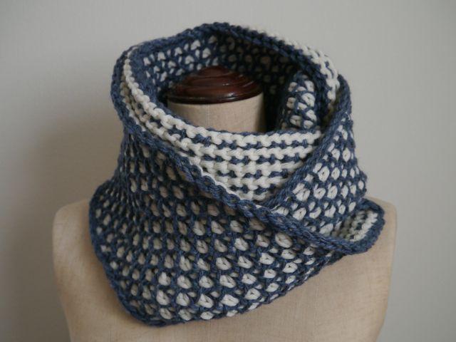 手編み ダブルフックアフガン編みのスヌード                                                                                                                                                      もっと見る