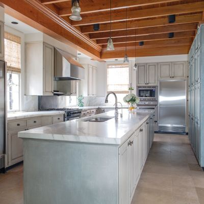The Kitchen Of Anne And William Long Has A Warm, Comfortable, Feel And Is  Adjoined By A Mudroom/galley.