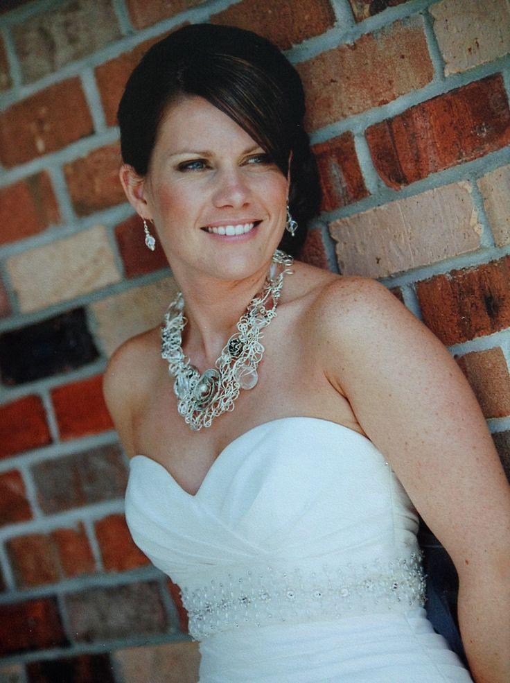 Bridal necklace by Belle Boutique.  www.belleboutique.ca