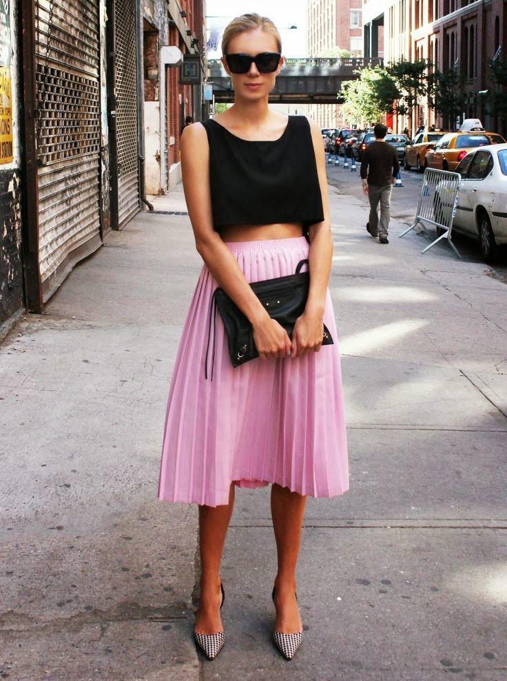 Street style, Love the pink midi skirt!