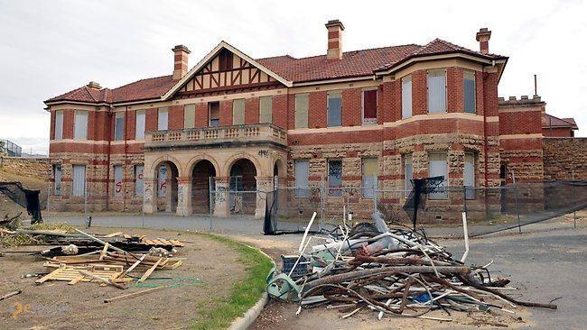 Психиатрическая больница Swanbourne – #Австралия #Западная_Австралия #Перт (#AU_WA) Заброшенная психиатрическая клиника в Австралии http://ru.esosedi.org/AU/WA/1000195688/psihiatricheskaya_bolnitsa_swanbourne/