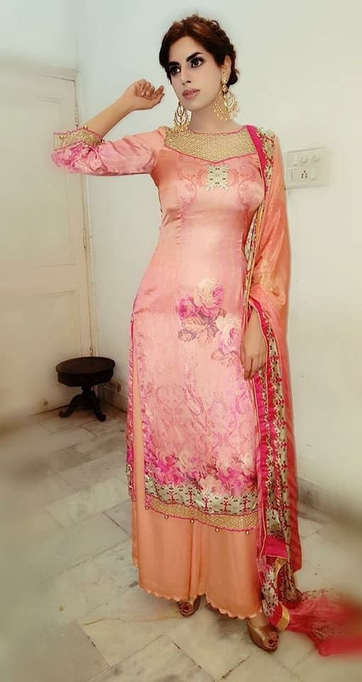 61eab271e2 pintrest@Dixna deol   Suited   Plazzo suits, Punjabi salwar suits ...