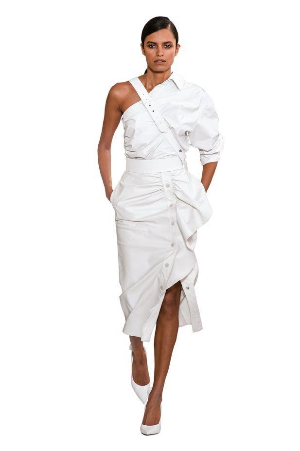 25f0ca759dcf ... su Summer ideas di Chiara F. Vestiti bianchi moda Primavera Estate  2019elleitalia