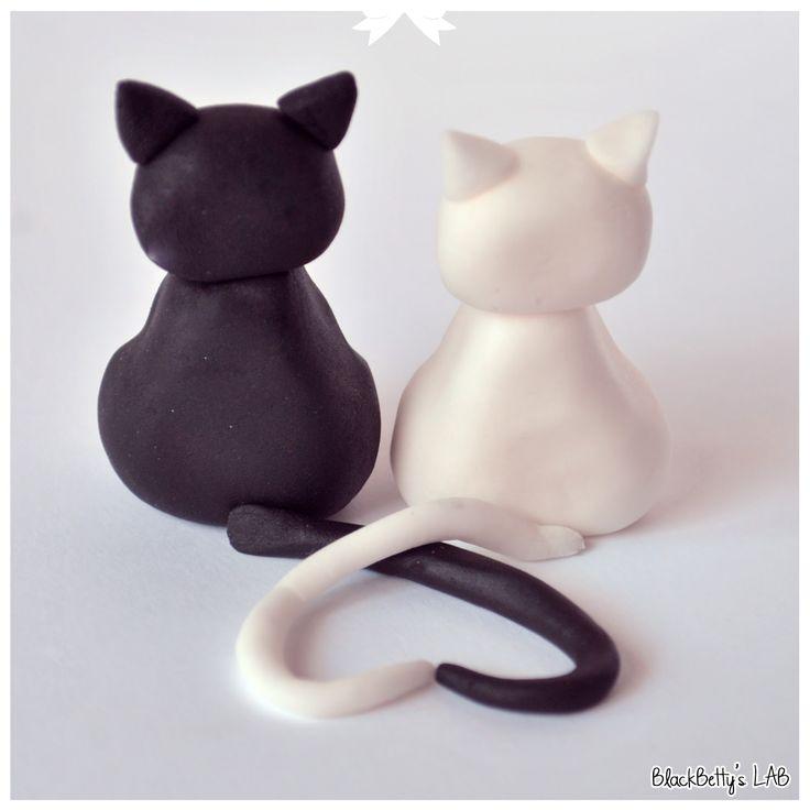 Un precioso modelado con fondat de unos gatitos muy enamorados y muy facil!!.   Visto en: Blackbetty´s Lab    Tutorial Gatitos enamorados ...