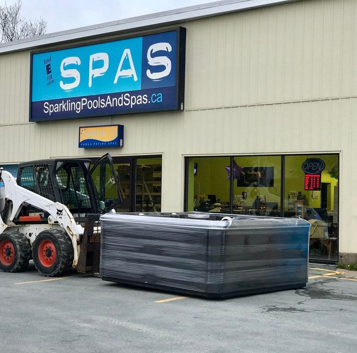 Saying goodbye to another tub, as it goes off to its new home!  Enjoy your new Hydropool Hot Tub!!
