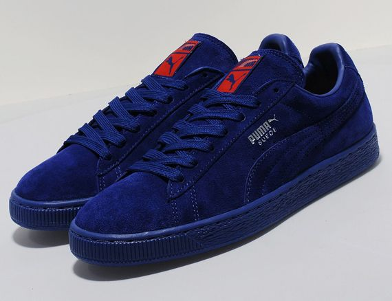 The PUMA Suede Blue/Cherry Red provides self explanatory style, offering  said composition in said colorway. An all blue upper benefits from cherry  red ...